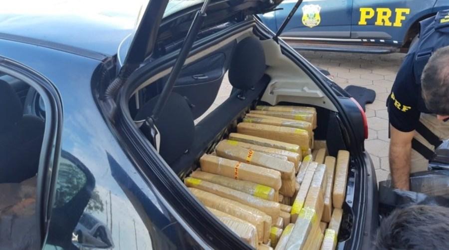 Center prf prende homem transportando 315 kg de maconha em bataguassums 1 e1557752395906