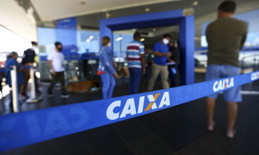 Center 05 08 2020 fila agencia caixa