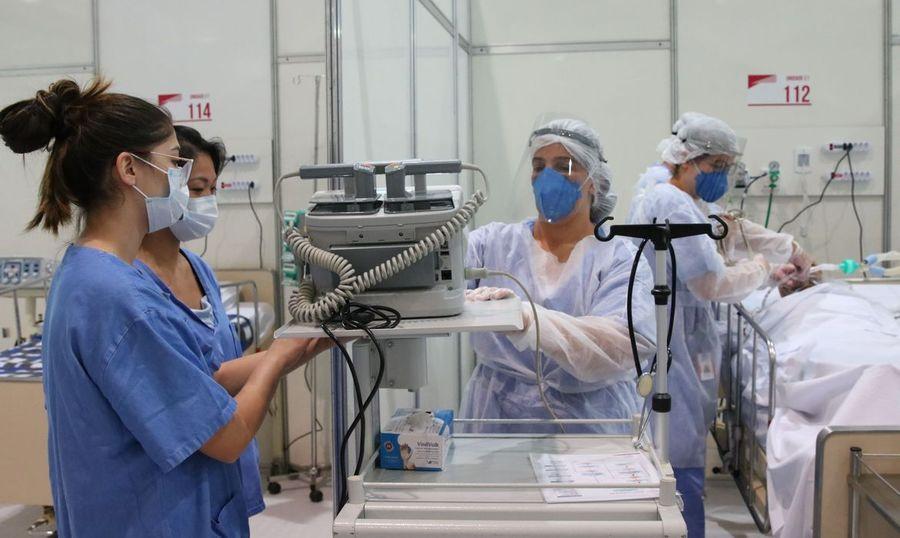 Center enfermeiros em hospital de campanha