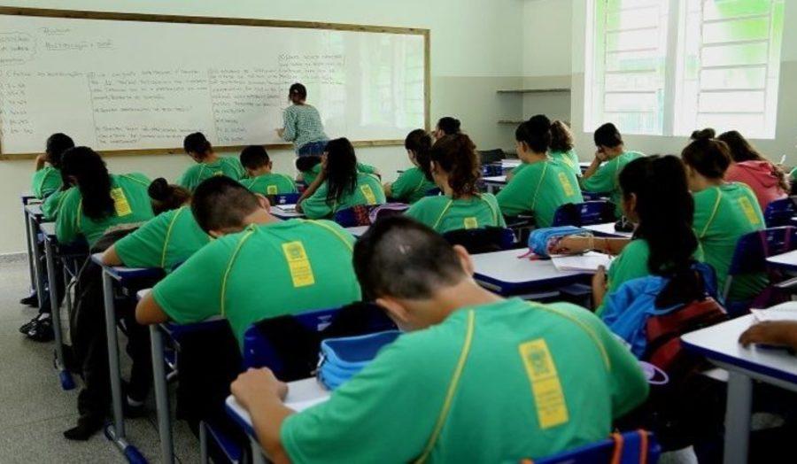 Center 1 dia de aula na escola c vico militar foto edemir rodrigues 768x425 730x425